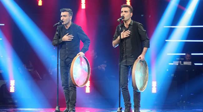 Malatyalı Barış ve Baran O Ses Türkiye'de Finalde
