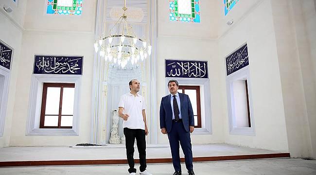 Esenler'de Taş Camii Açılış İçin Gün Sayıyor